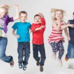 【走るより運動効率高い】トランポリンはバランス力・体幹を鍛える効果アリ。子供も大人も家の中で運動を楽しもう!
