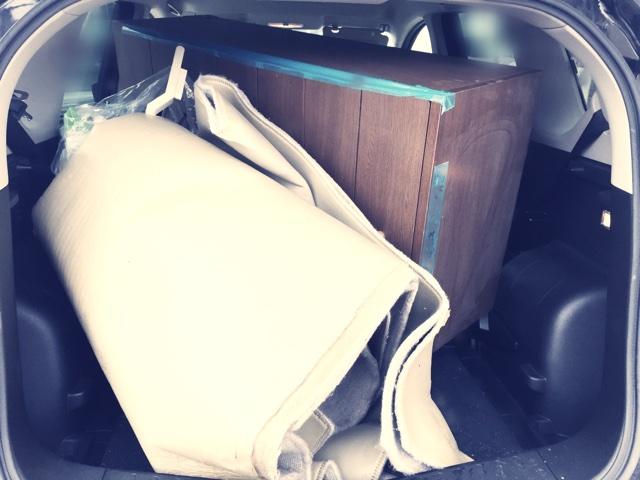車に積まれた粗大ごみ